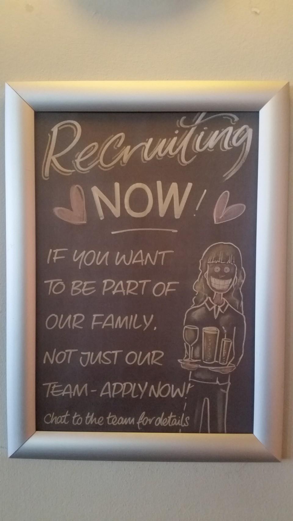 Airbaloon Pub Horley angajeaza in caz ca intereseaza pe cineva.